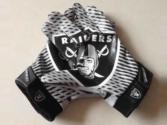 Oakland Raiders Gloves