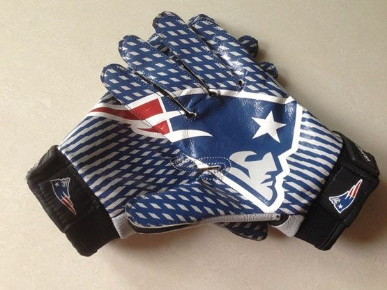 New England Patriots Gloves